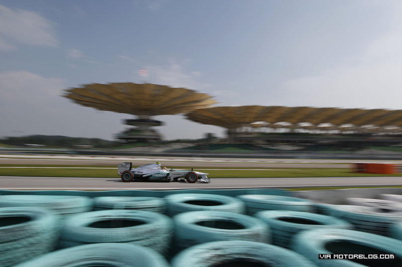 MotorSports | Formula 1: Qualifying @ 2013 Malaysia Grand Prix (Photo Gallery)