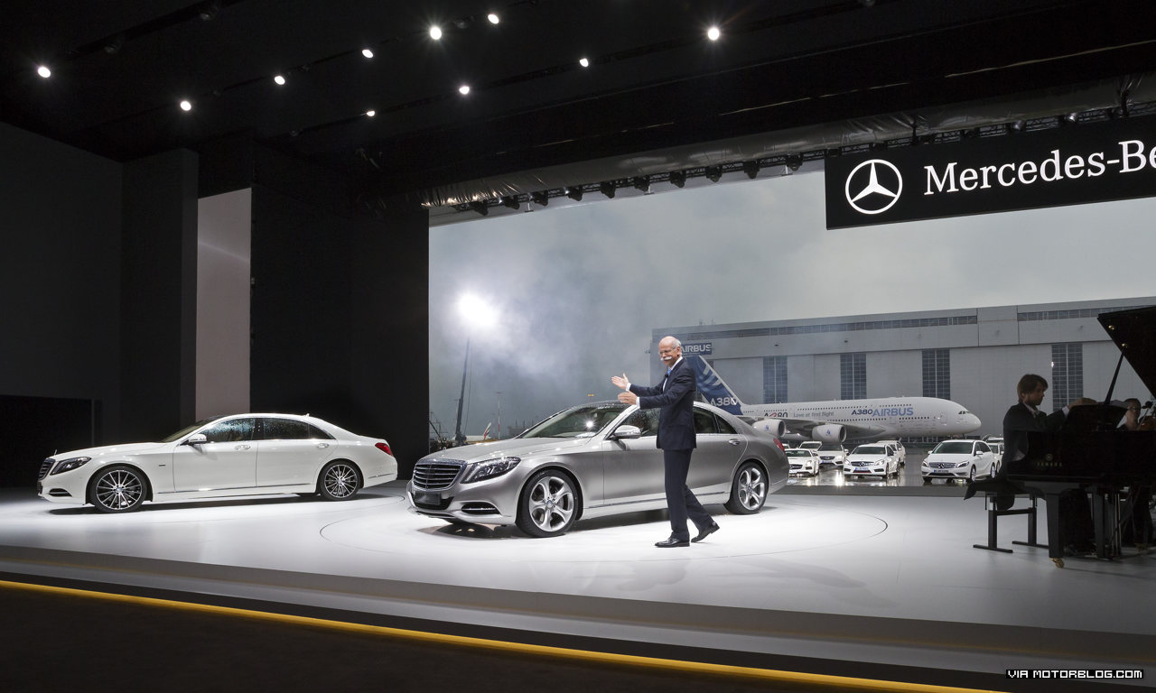 Spectacular world premiere of the new S-Class at Airbus in Hamburg: Grand unveiling of the new flagship model from Mercedes-Benz