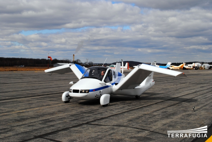 Terrafugia Transition's Flying Car Completes Maiden Public Demo Flight